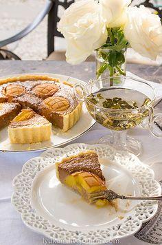 tastes are made, not born - Чесночно-шоколадно-ирисовый тарт с Чеширским сыром и нектаринами