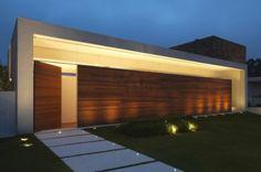 fachada moderna com madeira