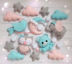 Baby Crafts, Felt Crafts, Diy And Crafts, Felt Banner, Felt Mobile, Baby Sewing Projects, Felt Baby, Sewing Dolls, Felt Toys