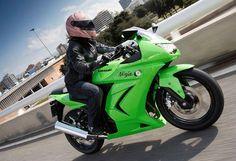 10 Best Motorcycles for Women - Kawasaki Ninja - Page 9 - Features - Visordown Kawasaki Ninja 250r, Lady Biker, Biker Girl, Best Motorcycle For Women, Kawasaki Bikes, Best Car Insurance, Scrambler Motorcycle, Biker Chic, Bike Parts