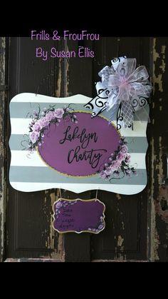 Hospital Door Signs, Hospital Door Hangers, Old Wood Crafts, Birth Announcement Sign, Baby Announcements, Baby Chart, Baby Door Hangers, Kids Wood, Nursery Signs