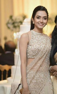Saree Jacket Designs, Saree Blouse Neck Designs, Half Saree Designs, Fancy Blouse Designs, Saree Designs Party Wear, Sarees For Girls, Saree Jackets, Saree Trends, Designer Blouse Patterns