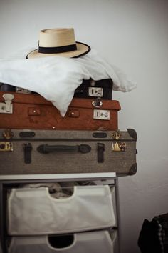 I wish suitcases like that were practical because I love them. Vintage Suitcases, Vintage Luggage, Suitcase Decor, Old Trunks, Away We Go, Holiday Images, Wit And Wisdom, Pack Your Bags, Vintage Love