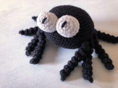Little Boy And Girl, Boy Or Girl, Diy Crochet, Crochet Toys, Chrochet, Crochet Animals, Pet Toys, Spider, Baby Shower Gifts