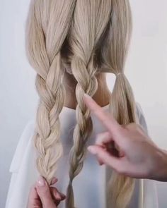 Formal Hairstyles, Girl Hairstyles, Braided Hairstyles, Natural Blush, Pigtail Braids, Vogue, Light Brown Hair, How To Draw Hair, Simple Makeup