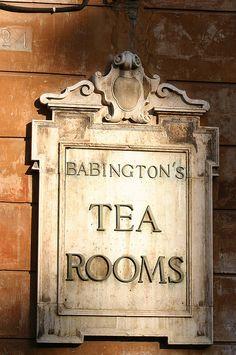 Oldest teahouse in Rome / Babington Teahouse, Italy