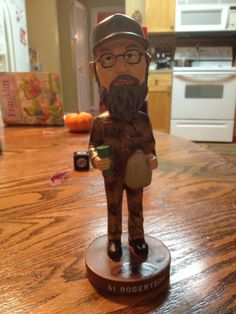 Uncle Si http://robsumrall.wordpress.com/2012/12/12/what-duck-commander-is-really-selling/