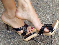 Sexy Legs And Heels, Hot High Heels, Platform High Heels, High Heels Stilettos, Stiletto Heels, Beautiful High Heels, Beautiful Toes, Feet Soles, Women's Feet