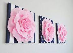 Raya de suaves rosas en azul marino y blanco 12 x 12 por bedbuggs