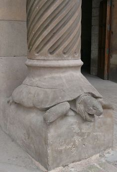 Sagrada Familia, Tortoise at the base of column