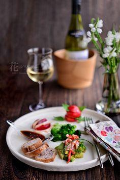 花ヲツマミニ 「蟹とアボカドのサラダ」 Sushi Recipes, Cooking Recipes, Picnic Dinner, Food Therapy, Asian Cooking, Light Recipes, Food Presentation, Japanese Food, No Cook Meals