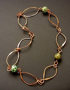 Free tutorial for wirework leaves...great use for those odd lamp work beads