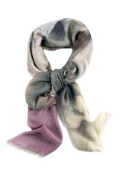 Sciarpa quadrata in lana con disegni astratti