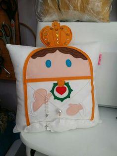 Almofada Nossa Senhora de Fátima! Visite-nos : www.r-bitencourt.blogspot.com.br #pillow #artesanato #religious #fatima #Rbitencourt #cushion #almofadas