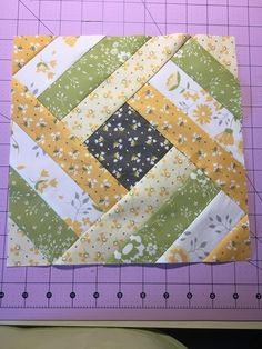 So I started a new quilt This was is sooooo long in the making Couldnt decide what to make design wise Borrowed jackiegillies log cabin ruler today and its awesome This. Quilt Square Patterns, Patchwork Quilt Patterns, Quilt Patterns Free, Pattern Blocks, Square Quilt, Quilt Block Patterns 12 Inch, Simple Quilt Pattern, Triangle Quilt Tutorials, Free Pattern