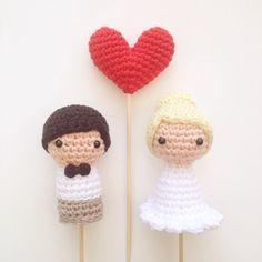 Wedding Cake Toppers Bride Groom and One Heart by MarigurumiShop
