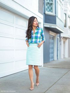 Office Style // Jean of Extra Petite blog in a turquoise themed office wear.