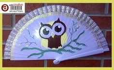 Abanico pintado a mano para la abuela Lola, un precioso buhito.  http://talentox2.blogspot.com.es/ http://facebook.com/abanicosairedecolor