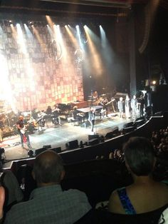 amy murphy ‏@amymurphy24 25m @Josh Groban such a good concert in Manchester tonight sir! Ps don't like mushy peas either!!! pic.twitter.com/TqqtoZFnyG
