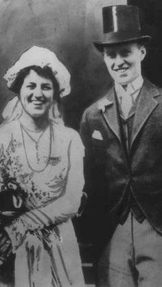 Nadire Atas on Kathleen Kennedy Kick Kennedy Rose Kennedy, who died Sunday Jan. 22 1995 at the age of is shown with her husband Joseph P. Kennedy on their wedding day in Boston John Kennedy, Les Kennedy, Carolyn Bessette Kennedy, Kathleen Kennedy, Celebrity Couples, Celebrity Weddings, Familia Kennedy, John Fitzgerald, Famous Couples