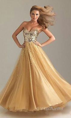 Reminds me of a modern-day Beauty and the Beast look. . . I LOVE it. Except it's very... Low cut bodice-wise and I would love some SLEEVES please....