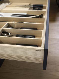 SANTOS kitchen | La importancia de los detalles. #cocinasSantos #cajones #accesoriosdecocina #orden #ordenenlacocina