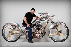 This bike is unreal. Design beauty and mechanical art...