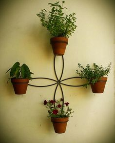 Discover how to create a Well Hung garden with your very own Potty. These garden accessories and plant pot stands are unique, hand made, high quality NZ products. Metal Wall Planters, Window Planter Boxes, Wooden Planters, Planter Pots, House Plants Decor, Plant Decor, Creative Wall Decor, Flower Stands, Iron Decor