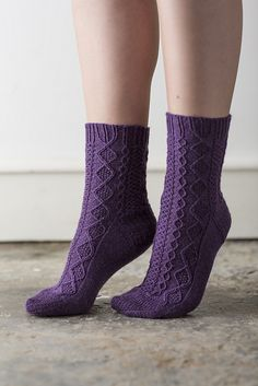 Ravelry: Saxifrage pattern by Rachel Coopey Knitted Socks Free Pattern, Knitting Socks, Baby Knitting, Knitting Patterns, Knit Socks, Fluffy Socks, Bed Socks, Little Cotton Rabbits, Shoe Pattern