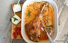 Friptură de miel cu usturoi, cimbru și vin alb - miel la cuptor | Savori Urbane Cheesesteak, Carne, Lamb, Tacos, Mexican, Ethnic Recipes, Food, Modern, Honey