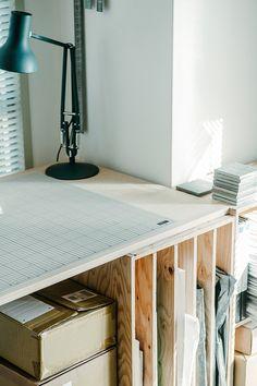 軽井沢「星のや」をはじめ、これまで全国の様々なリゾートホテルや住宅の設計を手掛け、昨年のグッドデザイン賞を受賞した「佐々木達郎建築設計事務所」の佐々木達郎さんに収納に対する思想やルールについてうかがいました。