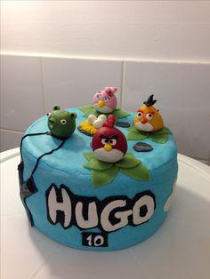 """Gâteau d'anniversaire sur le thème """"Angry birds"""""""