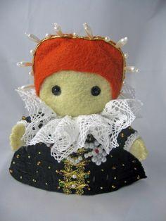 Craftgrrl - Where Crafters Unite! - Little Tudor felt dolls (VERY image heavy)