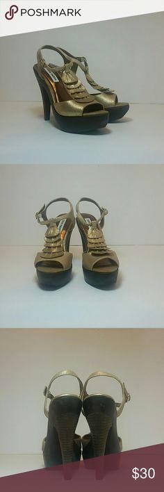 Steve Madden Trufle Gold Heels/Sandals