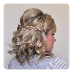 braided half-updo, finally something I can do with my short hair! Pretty Hairstyles, Braided Hairstyles, Wedding Hairstyles, Short Hairstyles, Indian Hairstyles, Short Haircuts, Bridesmaids Hairstyles, Blonde Hairstyles, Bridal Hairstyle