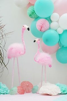 Balloon Arch ganz einfach selber machen Flamingo Party Decoration - Ideas and Decoration for a Flami Pink Flamingo Party, Flamingo Baby Shower, Flamingo Birthday, Birthday Balloons, Pink Flamingos, Birthday Diy, Diy Birthday Decorations, Party Decoration, Balloon Decorations