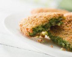 Galettes croustillantes de kale sans friteuse : http://www.fourchette-et-bikini.fr/recettes/recettes-minceur/galettes-croustillantes-de-kale-sans-friteuse.html