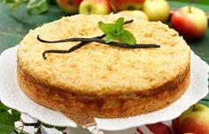 Klassisk mjuk kaka med vanilj och äpple. På toppen strör vi över smuldeg för att lyxa till äppelkakan lite extra!