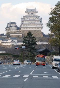 Himeji Castle, Hyogo, Japan 姫路城 Japanese Castle, Japanese Temple, Hyogo, Asia Travel, Japan Travel, Great Places, Places To Go, Himeji Castle, Sea Of Japan