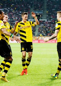 Erik Durm - Borussia Dortmund #erikdurm #durm #37 #bvb #welmeister #cute