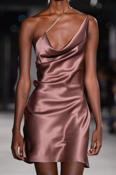 Cushnie et Ochs Fall 2018 Ready-to-Wear.