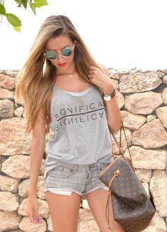 Total grey outfit  19-7-2014  Shorts: Mango / Flips flops: Havaianas / Sunnies: Zara / Tank top: Vero Moda / Bag: Louis Vuitton
