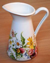 sommerliche-Metallkanne-Sommerblumen  http://bastelzwerg.eu/herrlich-sommerliche-Metallkanne-Sommerblumen?source=2&refertype=1&referid=168