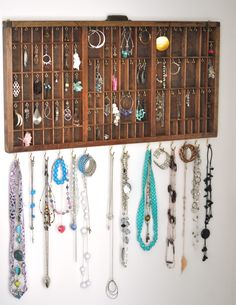 Printer's tray to Jewelry display
