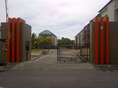 main gate at http://korjiterrace.blogspot.com