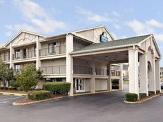 Mobile (AL) Days Inn and Suites - Mobile United States, North America The 3-star Days Inn and Suites - Mobile offers comfort and convenience whether you're on business or holiday in Mobile (AL). Both business travelers and tourists can enjoy the hotel's facilities and services. Service-minded staff will welcome and guide you at the Days Inn and Suites - Mobile. Some of the well-appointed guestrooms feature air conditioning, heating, wake-up service, desk, alarm clock. The hote...