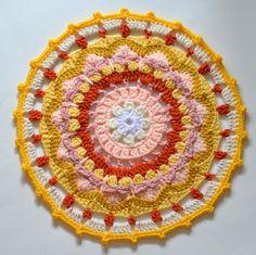 Free pattern for Sun Mandala @  Pops de Milk