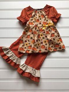 Girls Dresses Sewing, Stylish Dresses For Girls, Little Girl Outfits, Little Girl Dresses, Baby Dresses, Baby Girl Frock Design, Baby Girl Dress Patterns, Baby Girl Frocks, Frocks For Girls
