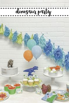 Create the prefect dinosaur party in less than an hour for less than $100 with tips from Everyday Party Magazine. #Sponsored #HoldTheBalloon #DinosaurParty #KidsBirthdayParty