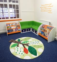 A cosy reading corner with accessible book shelves for younger pupils. School Library Design, Kids Library, Cosy Reading Corner, Reading Areas, Reading Nooks, Kids Reading, Book Nooks, Bookshelves Kids, Book Shelves